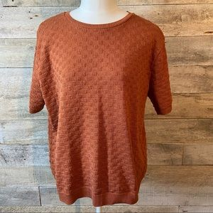 Alfred Dunner short-sleeved sweater in size medium